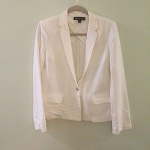 ELIZABETH & JAMES White single button blazer